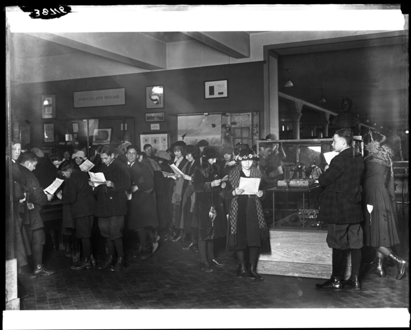Students visiting Public Health Hall, 1921