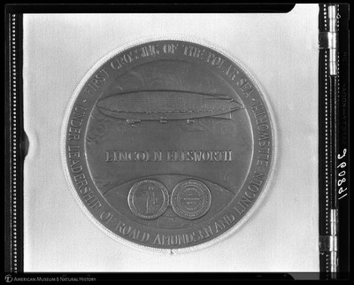 Medal presented to Lincoln Ellsworth